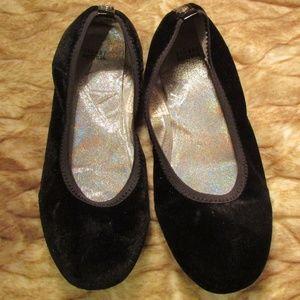 Stuart Weitzman sz 4 Fannie black ballet flats
